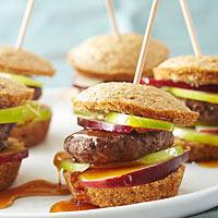 Дієтичний сніданок: сендвіч з кукурудзяного маффіни з котлетою з індички