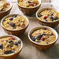 Дієтичний сніданок: запіканка з вівсянки з фруктами