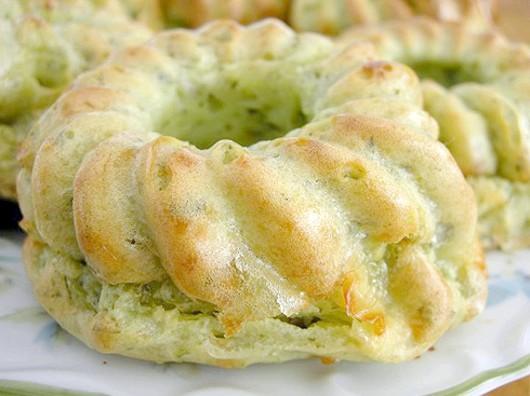 Готуємо сирні кекси з сиру з зеленню і часником