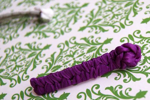 Шпильки декоровані стрічками Фото