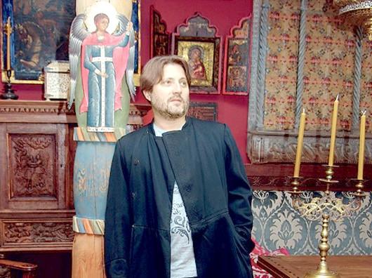 Іван Глазунов живе в Старовинна теремі