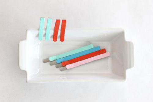 Різнобарвні шпильки Фото