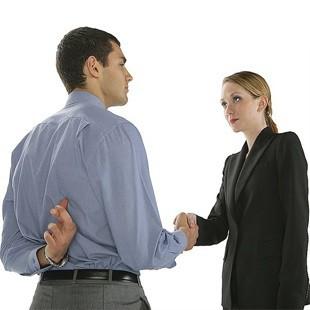 Як розпізнати брехню по жестам