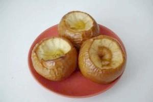 Як запекти яблука для грудничка?