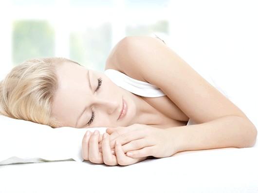 Пози уві сні впливають на здоров'я людини.