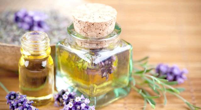 Косметичні та ефірні масла замість крему