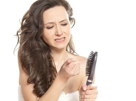 Чому почали випадати волосся?