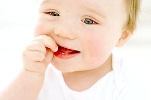 Пронос при прорізуванні зубів