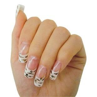 Малюнки на нарощених нігтях