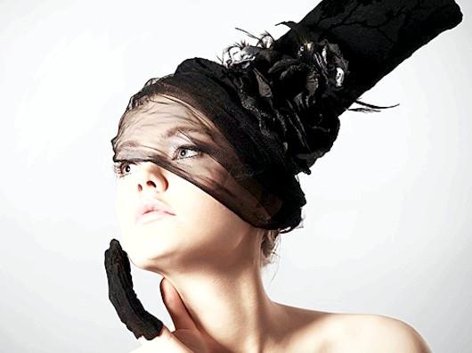Капелюшки та рукавички: створюємо елегантний образ
