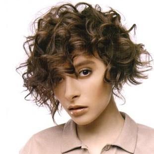 Стрижки для хвилястого волосся