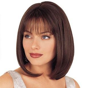 Стрижки на середні волосся для круглого обличчя