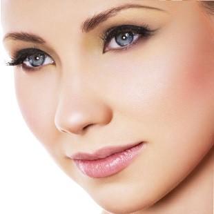 Тональний крем для жирної шкіри