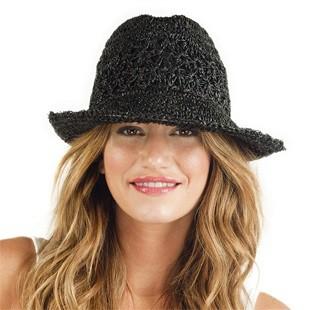 В'язання гачком літніх шапочок
