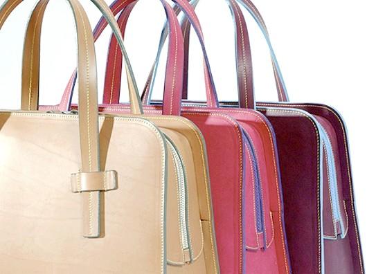 Жіноча сумочка: примха і джерело інформації