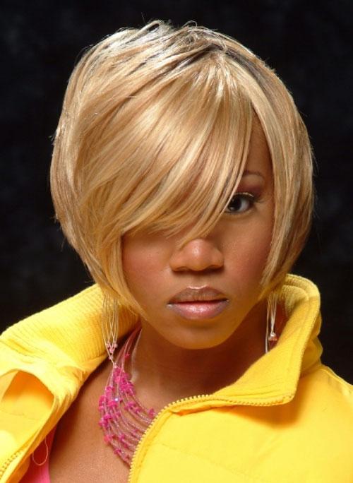 зачіска каре на коротке волосся фото